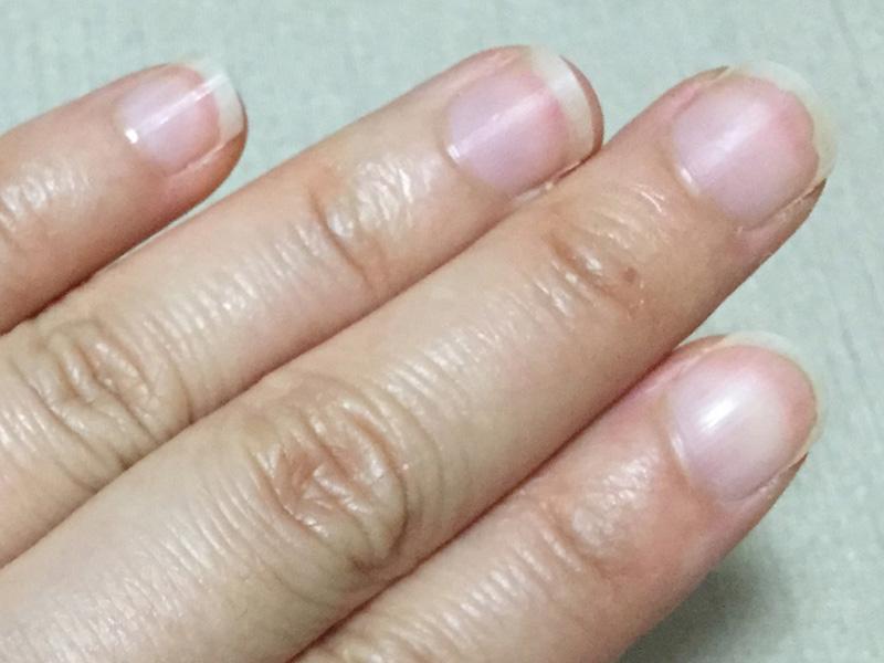 初めて育爪カットをした手